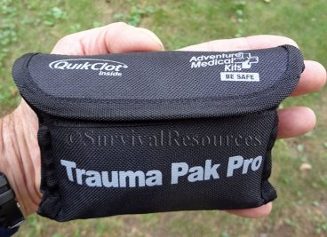 Front view of pouch.