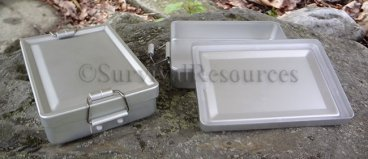 Locking Lid Tin shown with lid on and off.
